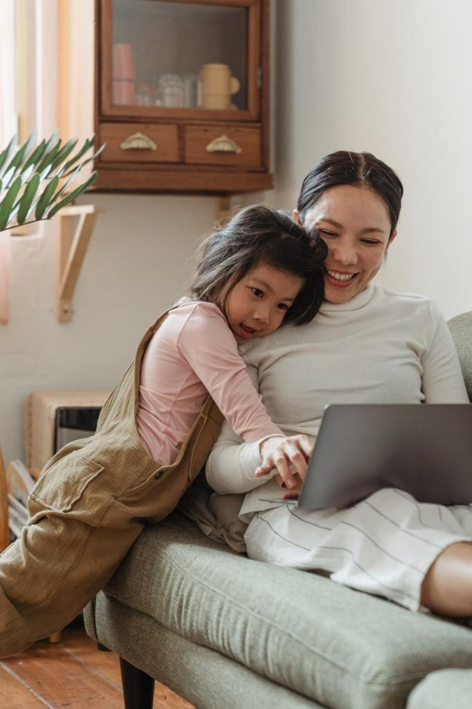 How Moms Can Achieve the Perfect School, Work, and Life Balance