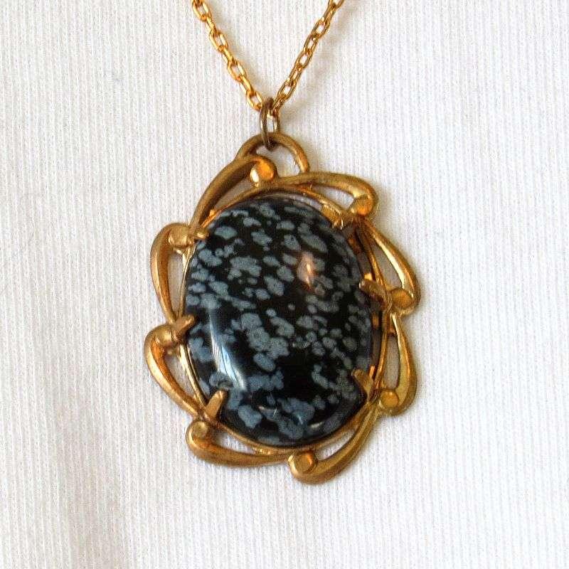 Snowflake obsidian cabochon necklace antique gold detail