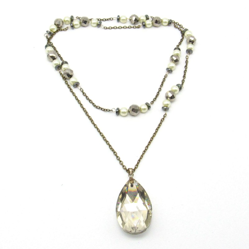 Crystal teardrop pendant with decorative chain