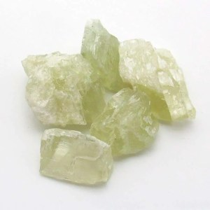Rough hiddenite kunzite crystals.