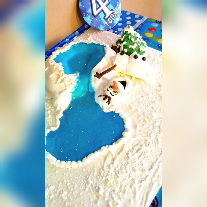Olaf lost his head cake - Serene's Delights