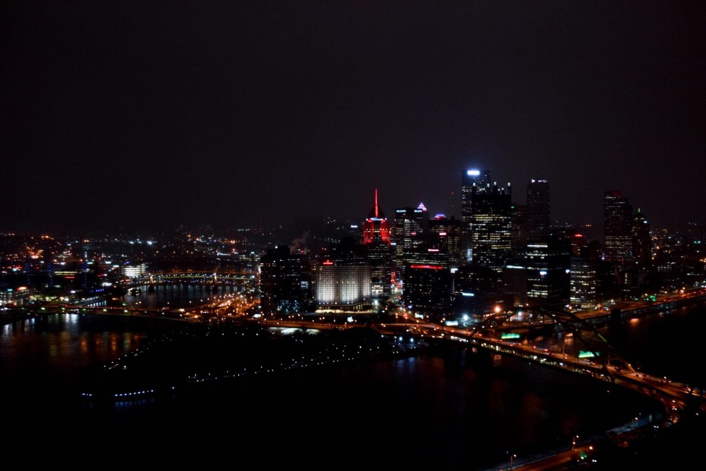 weekend in pittsburgh - pittsburgh travel guide - pittsburgh skyline