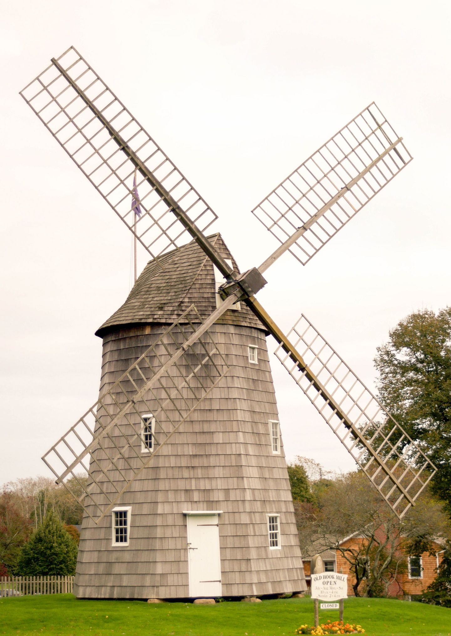 fall in the hamptons - windmill hamptons - easthampton windmill