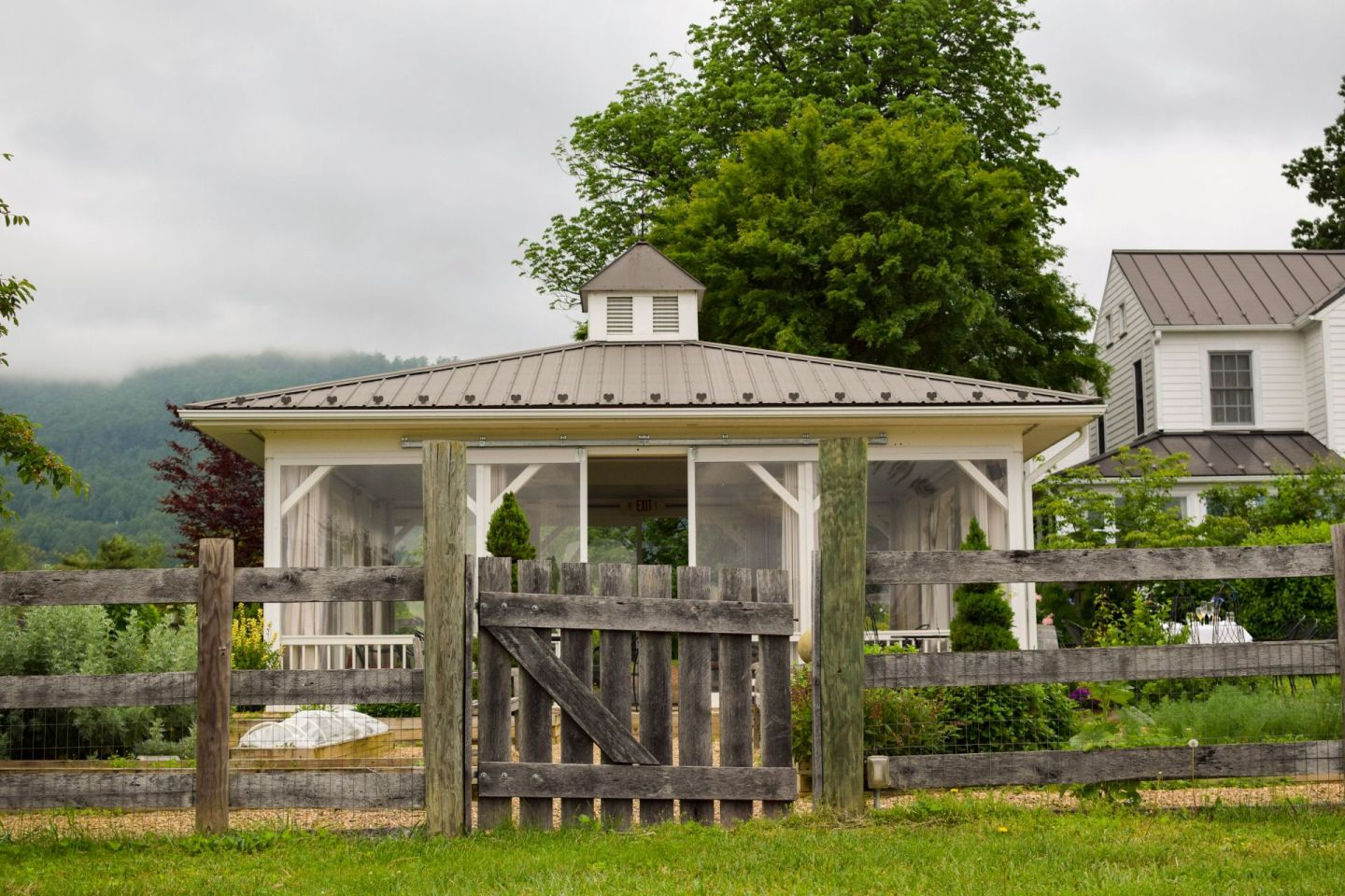 farmhouse at veritas - bed and breakfasts near dc - social distancing bed and breakfast