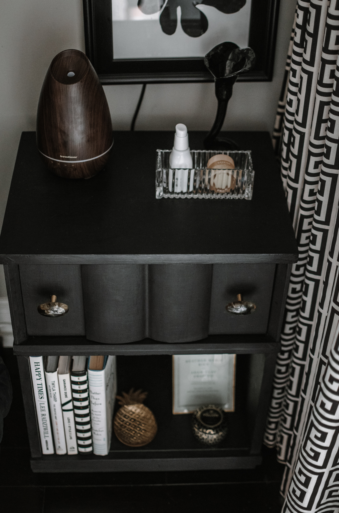vintage nightstand - nightstand essentials - vintage mid century nightstand