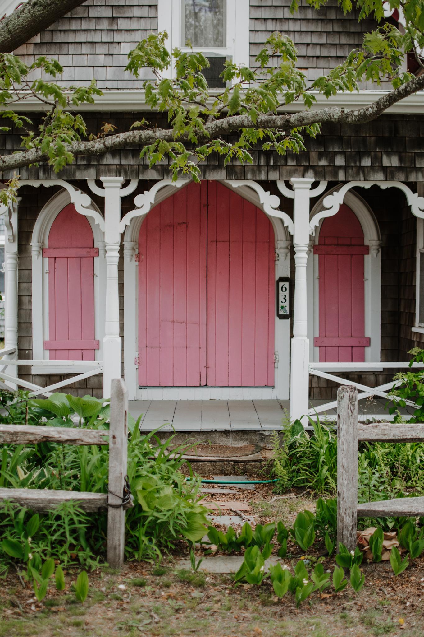 spring weekend in martha's vineyard - martha's vineyard travel guide - oak bluffs gingerbread cottages