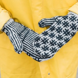 hashtag mosaic mittens hat cowl