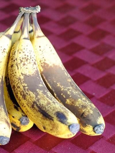 Banana Scones with Vanilla Cream Glaze