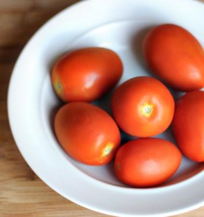 Spicy Roasted Tomato Hummus