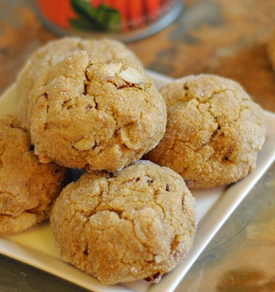 Whole Wheat Vegan Almond Pumpkin Cookies