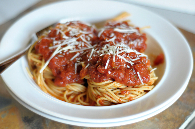 Authentic Italian Red Sauce (in a Crock Pot!) from @HeathersDish