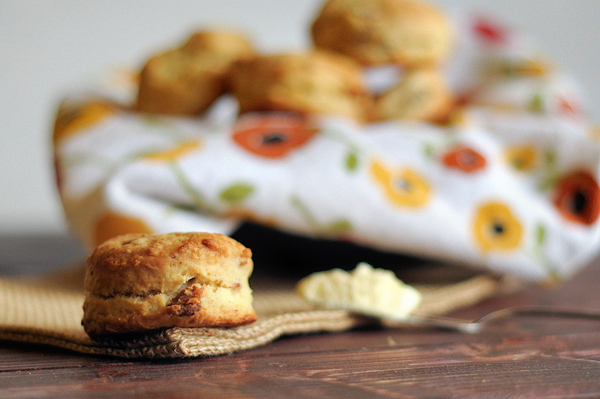 bacon-cream-cheese-biscuits