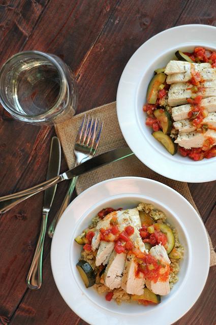 Mediterranean Zucchini, Tomato and Chicken Skillet || Heather's Dish #paleo #glutenfree #healthyeating #dinner