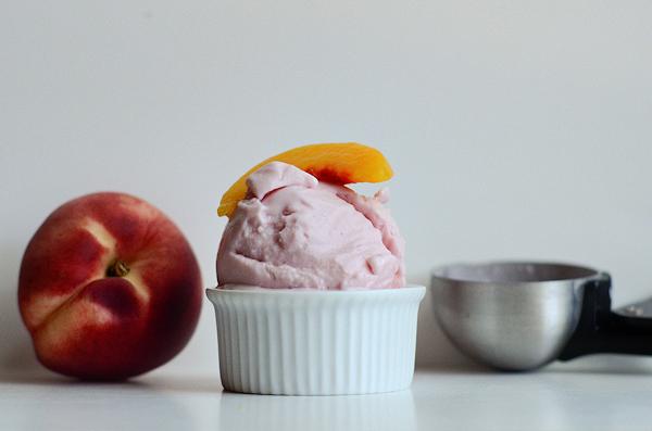 strawberry-peach-frozen-yogurt