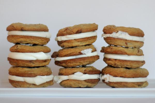 cinnamon-chip-cookie-sandwiches