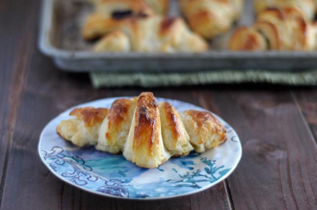 #LiveBoldly Day 23: Make Croissants From Scratch || HeathersDish.com #31days