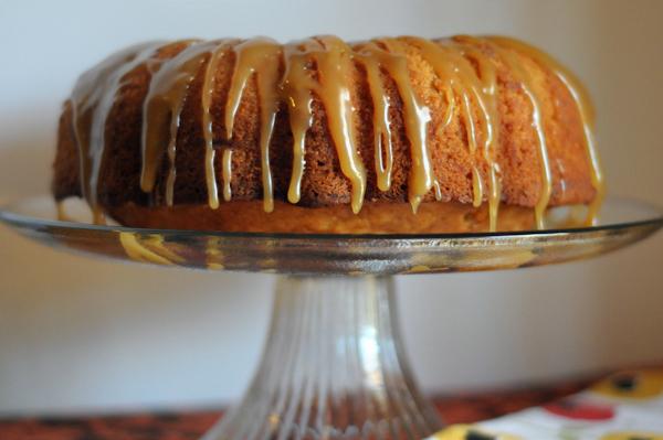 caramel-apple-pound-cake