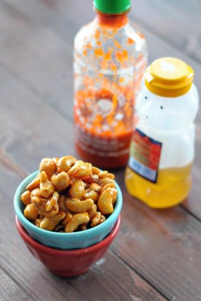 Honey Sriracha Cashews || HeathersDish.com