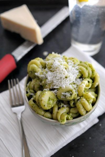 Garlicky Sweet Pea Pesto || HeathersDish.com