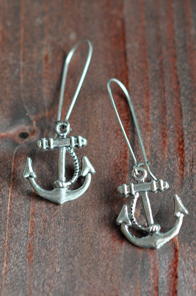 My Favorite Jewelry Pieces || HeathersDish.com #dresslikeagrownup