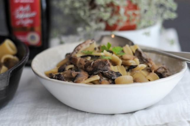 creamy balsamic mushroom pasta