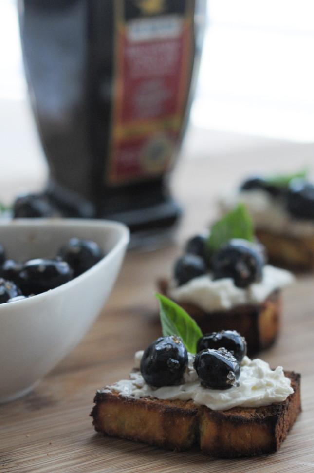 macerated balsamic blueberries with mascarpone @denigris1889 @heathersdish