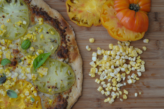 Late Summer Farmer's Market Pizza @heathersdish #pizza #farmersmarket #recipe