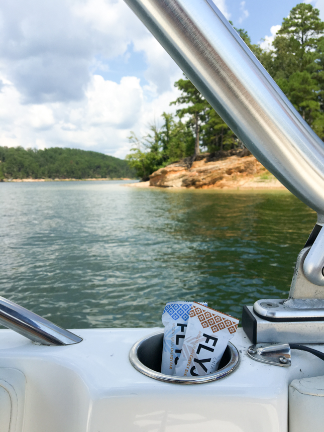 Exploring Lake Ouachita, Arkansas with @heathersdish and @flyjoybars #goflyjoy