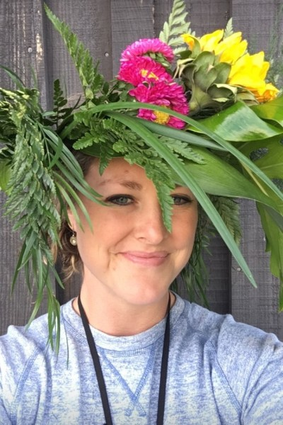 Foolproof and GORGEOUS Flower Crown DIY tutorial. Have fun making these beauties!