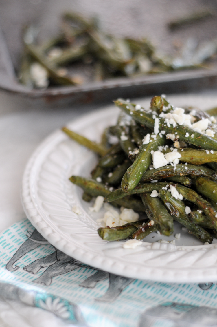 """Roasted Mediterranean Green Bean """"Fries"""" make the perfect healthy side or snack for the whole family! @heathersdish @produceforkids #sponsored"""