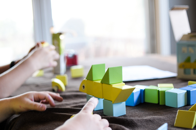 STEAM Fun with Itty Bitty City make learning fun while developing crucial STEAM skills with their new magnetic wooden blocks! #sponsored