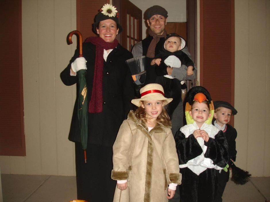 Happy Halloween! Mary Poppins Family Halloween Costume!