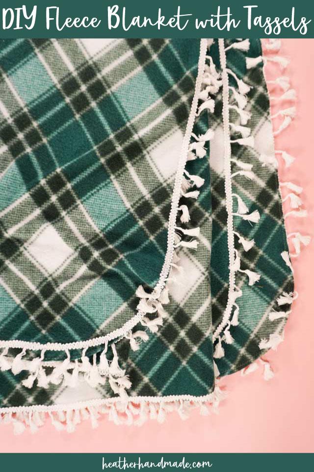 Easy Fleece Blanket with Tassels - DIY Sewing Tutorial