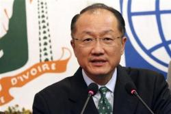World Bank president Jim Yong Kim speaks during a news conference at Felix Houphouet Boigny international airport in Abidjan, September 5, 2012. REUTERS/Luc Gnago