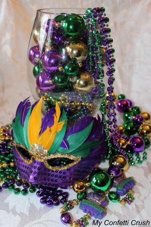 9 Easy Diy Mardi Gras Centerpieces Heather Roberts