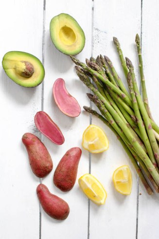Asparagus with Avocado Hollandaise - vegan, vegetarian, plant based, gluten free - heavenlynnhealthy.com