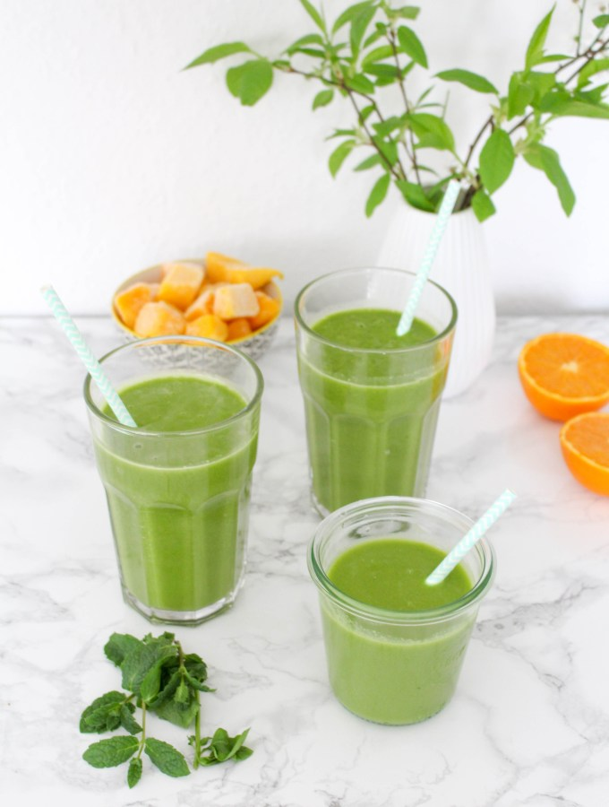 Green Spring Smoothie with Mint and Basil - plant based, gluten free, vegan, refined sugar free - heavenlynnhealthy.com