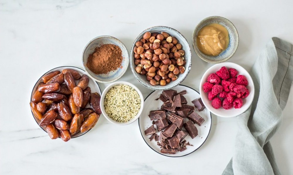 Hemp seed energy bars with raspberries - plant-based, vegan, gluten free, refined sugar free - heavenlynnhealthy.com