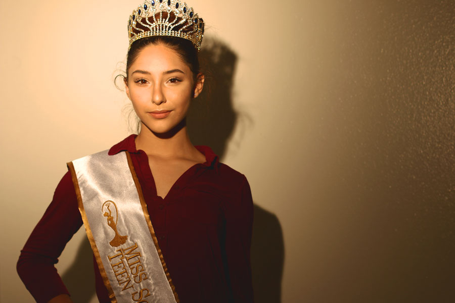 Junior+Victoria+Zarate+poses+with+her+crown+and+official+Miss+Teen+Sovereign+sash.+Other+than+pageantry+and+DFC%2C+Zarate+is+also+involved+in+scuba+diving%2C+soccer%2C+dance+outside+of+school%2C+and+many+other+activities.