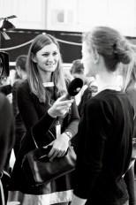 RTL II-Moderatorin Sandra Thier backstage bei eva Poleschinski im Interview mit Model Annika (Foto Eva Maria Guggenberger)