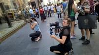 """Eva Poleschinski beim Shooting ihrer Kollektion """"My own Walls"""" in New York - behind the scenes (Foto Hedi Grager)"""