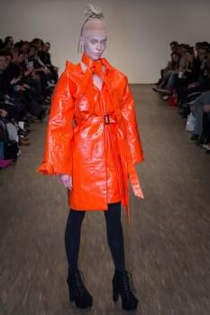 Isabel Vollrath präsentierte ihre Herbst-/Winter Kollektion 2016 auf der Mercedes Benz Fashion Week Berlin (Fotos Thomas Hofmann)