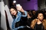 Bei Designer Marcel Ostertag backstage vor seiner Show auf der Fashion Week New York (Photo by Brian Ach/Getty Images)