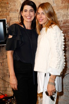 Dorothee Schumacher und Anna Bederke (re) bei der Show von Dorothee Schumacher - Mercedes-Benz Fashion Week Berlin Spring/Summer 2017 (Photo by Frazer Harrison/Getty Images)