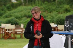 """Brigitte Gady von der Woche Leibnitz unterstützte auch das Projekt - Soroptimist Club Goldes - Charity zugunsten des Projektes """"Hautkrebs in der Schwangerschaft"""" am Ankerpunkt (Foto Alex Feyh)"""