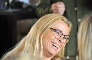 Beatrix Drennig - Präsentation des Gelben Muskatellers von Peter Kraus (Foto Reinhard Sudy)
