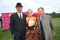 Vienna Ascot: Eva Poleschinski mit ihren Lieblingsmännern, Ehemann Oliver und Vater Wolfgang (Foto Moni Fellner)