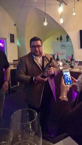 Wein-Experte Andreas Andreadis präsentiert die Sting-Weine im Grazer el Gaucho (Foto Reinahrd Sudy)
