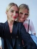 Influencerin Caro Daur mit Journalistin und Bloggerin Hedi Grager auf der Show von Marc Cain Frühjahr/Sommer 2019 am Berliner Westhafen (Foto privat)