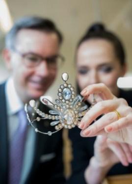 Präsentation der Krönchen für die Opernredoute 2020 - Klaus Weikhard und Eva Poleschinski (Foto Marija Kanizaj)